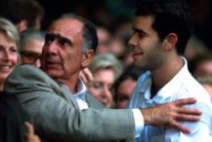 sampras_with_father_wb00